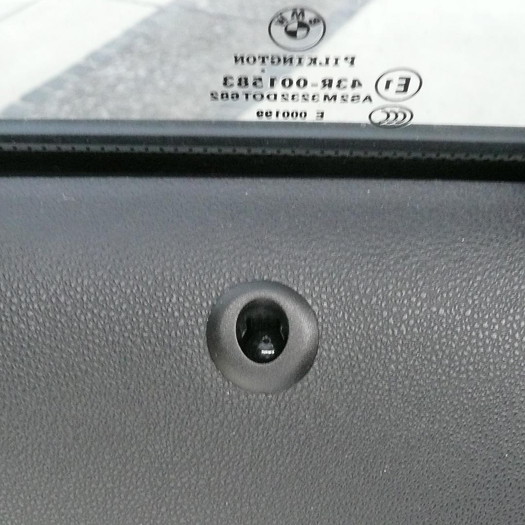 BMW 118i E87 ロックピン